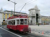 Praça do Comércio, Straßenbahn für die Stadtrundfahrt